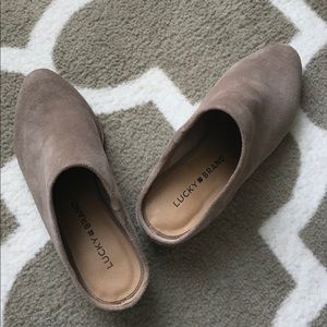 Lucky 🍀 Brand beautiful tan suede mules/shoes 5M